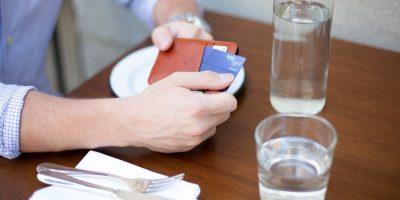 Strapo Minimalist Wallet 400x200 - 12 Best Minimalist Wallet 2018 | Functional, Stylish, Secure | Best wallets for men